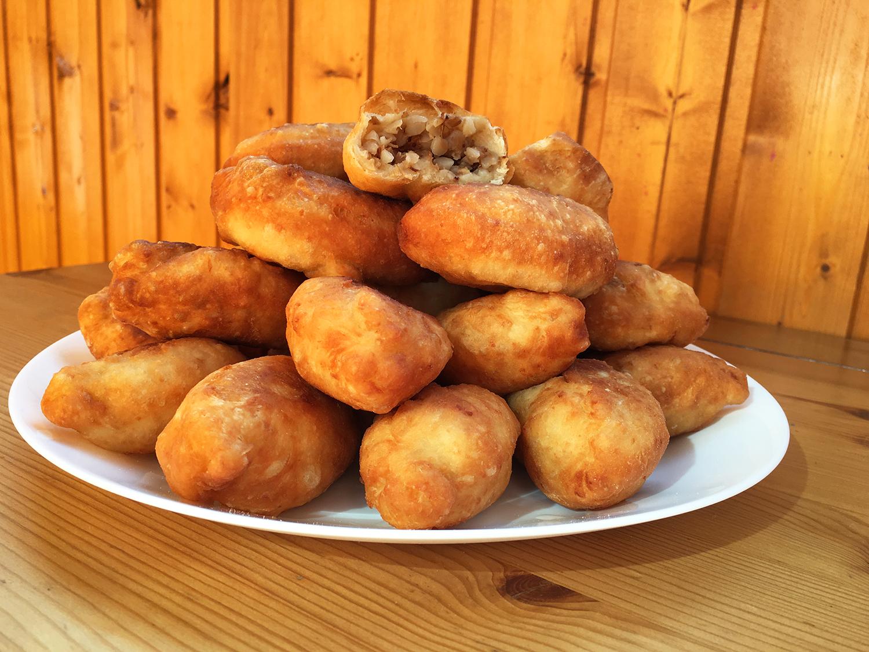 Пирожки с гречкой и мясом